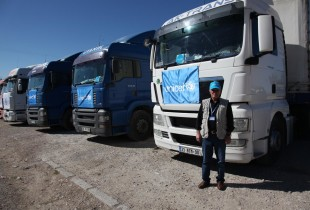 Just a fence away: getting aid to Syria from Turkey