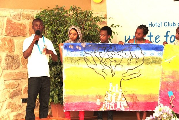 During the forum participants prepared and presented creative artworks. (c) UNICEF DRC