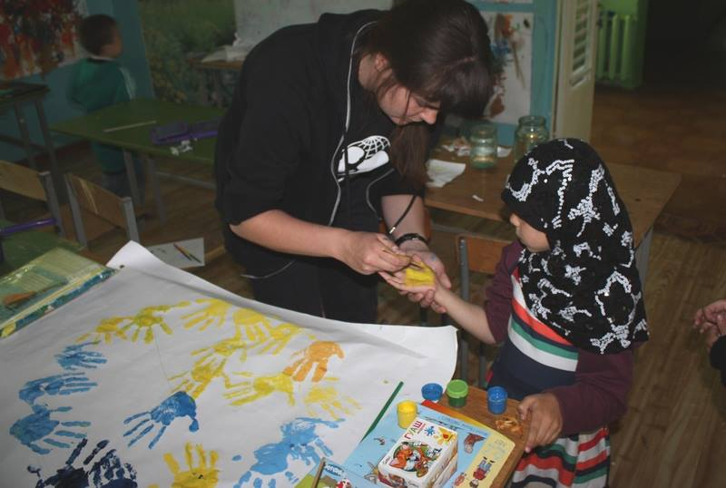 An individual psychosocial support session. (c) UNICEF Ukraine