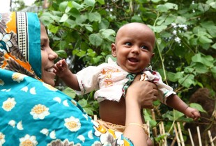 Zakir from Bangladesh was diagnosed with pneumonia shortly after birth. He received treatment at a Special Care Newborn Unit (SCANU) which aims to reduce the deaths arising from newborn complications.