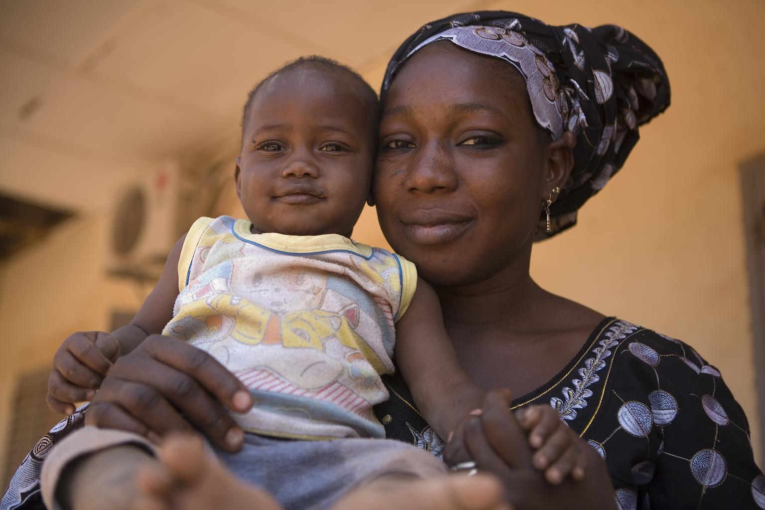 Hawa and her one-year-old son participated in a UNICEF-supported training session to provide psychosocial support to children from northern regions who have been displaced by fighting, Mali.