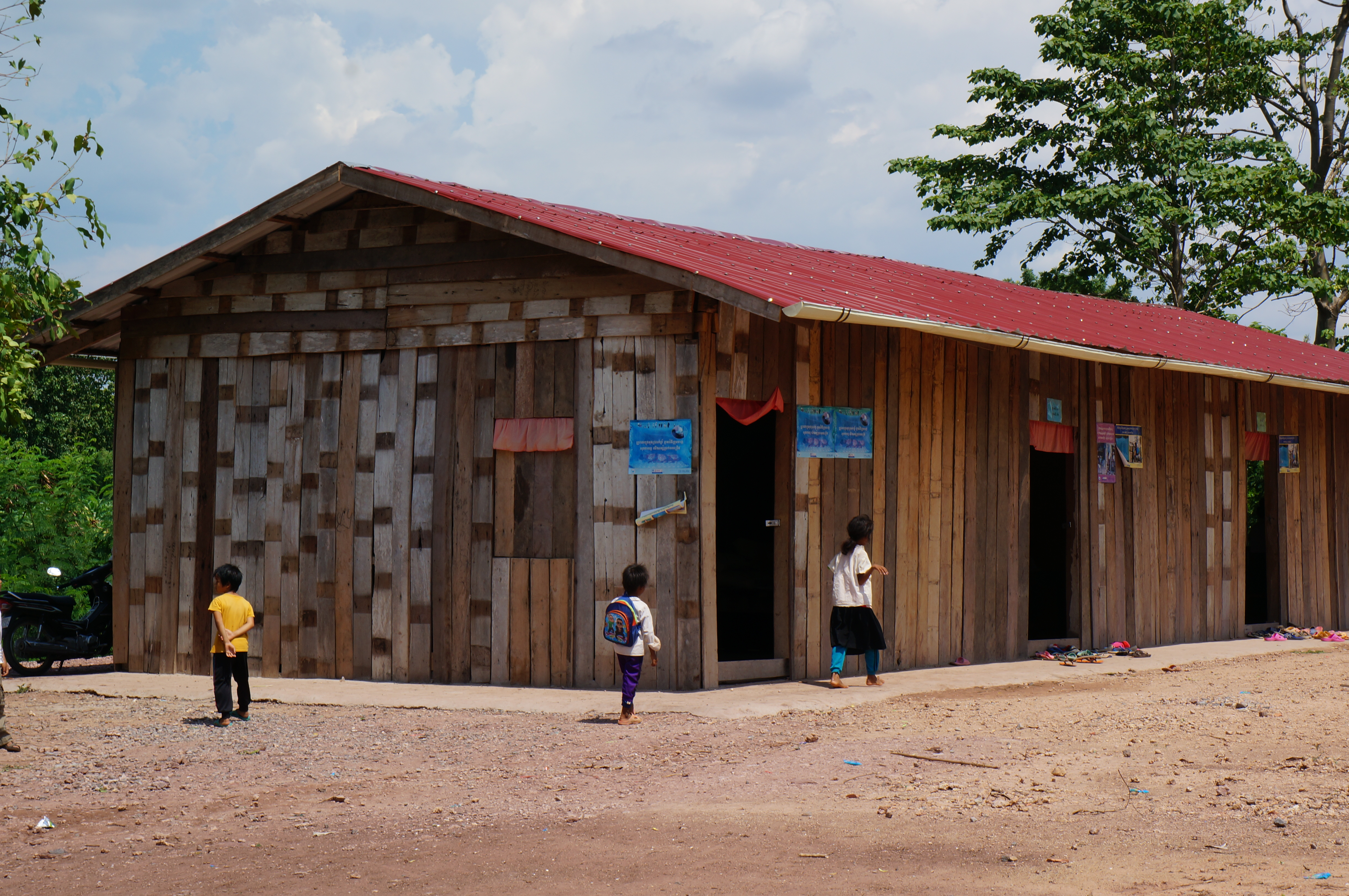 The newly established classrooms in O'Thmar annex-village.