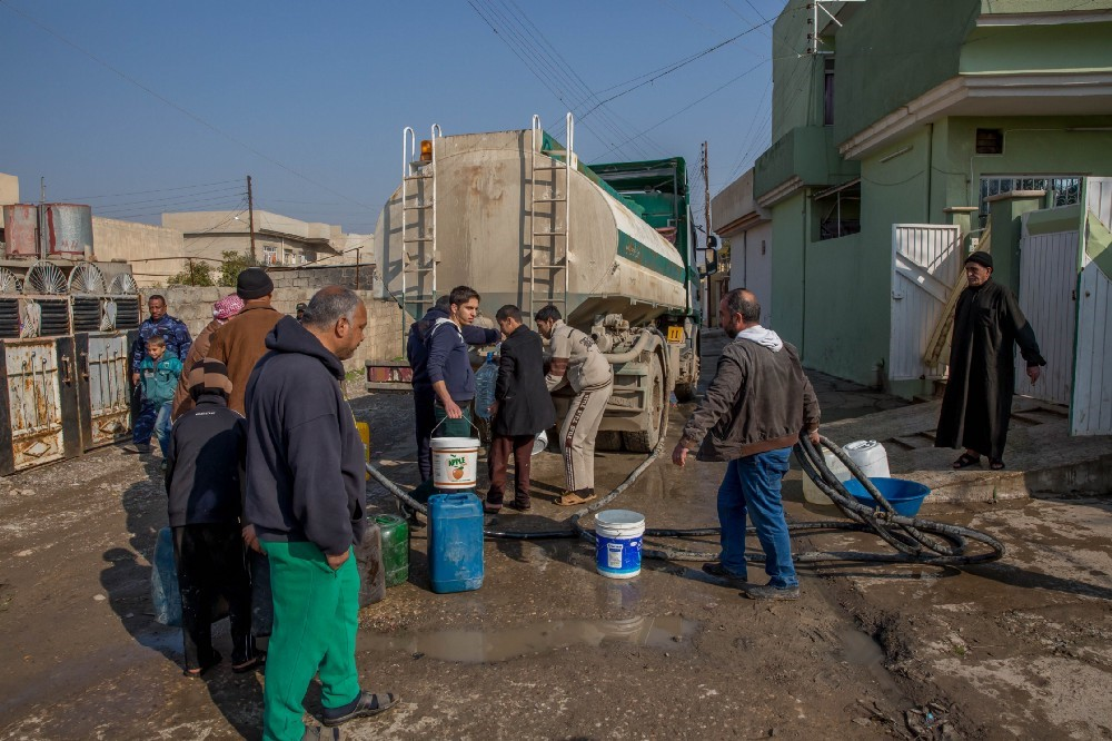 Water trucking is ongoing in east and west Mosul, supporting individual households as well as hospitals, schools and other service centers.
