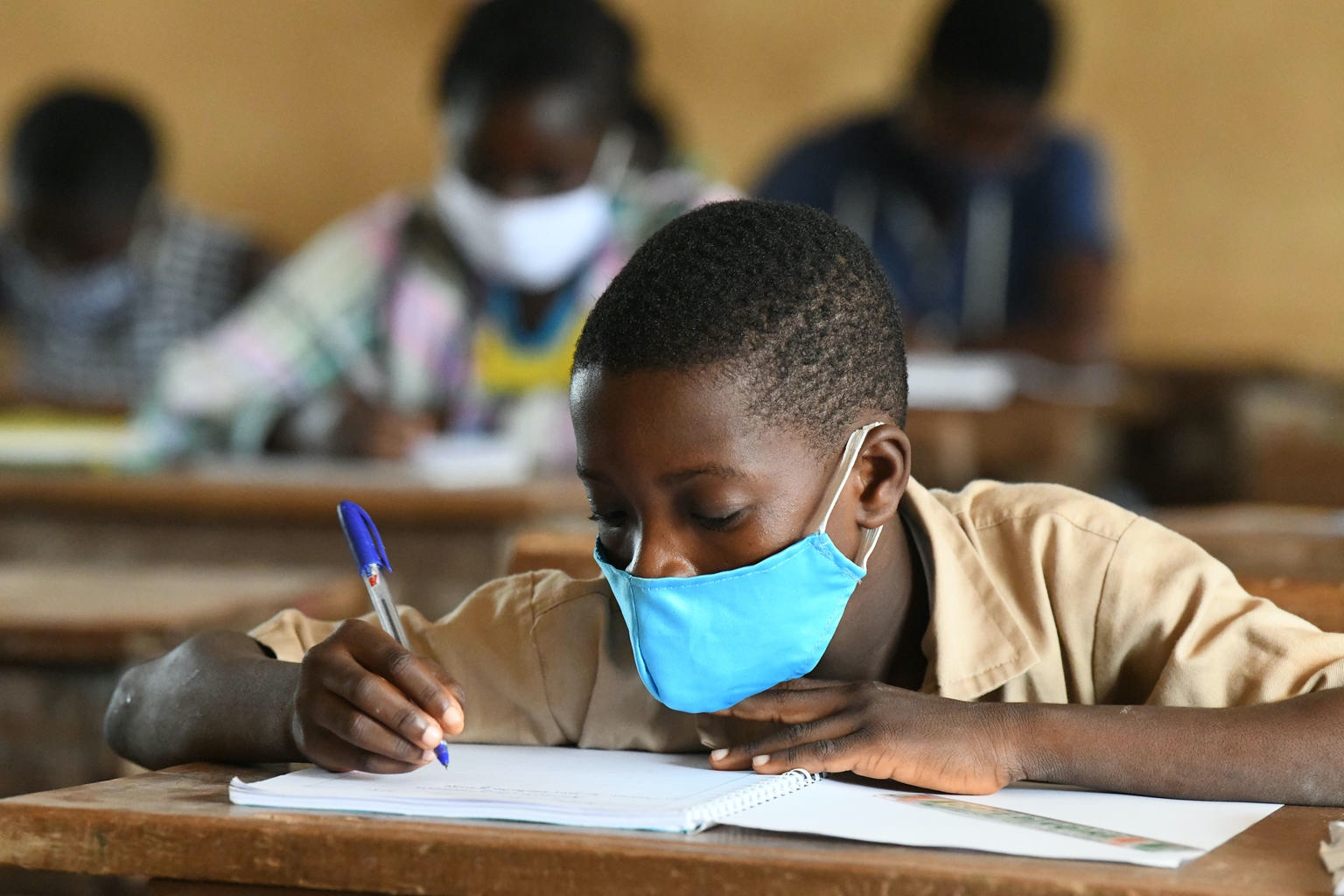 Lessons from Ebola: how to reach the poorest children when schools reopen - UNICEF Connect